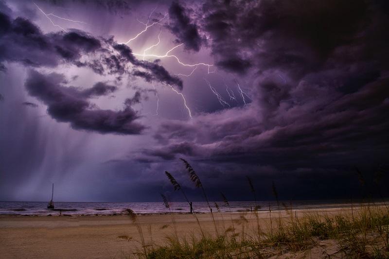 Буря на плажа
